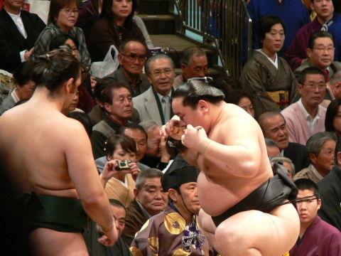 sumo07_01_27